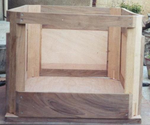 moto jouvence fabrication de pi ces caisse triporteur. Black Bedroom Furniture Sets. Home Design Ideas
