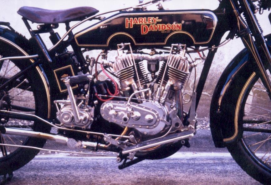 moto jouvence les moteurs moteur de harley davidson 1000 cc de 1923. Black Bedroom Furniture Sets. Home Design Ideas